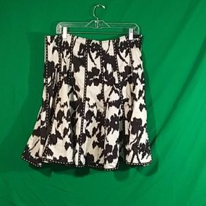 Cabi adorable black white flare skirt sz 10